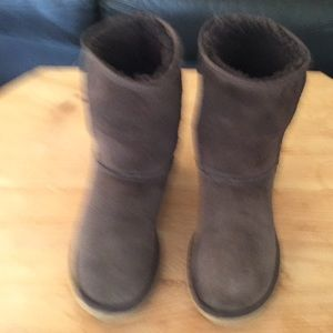 Ugg Australia boots short size 8 pre owned